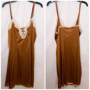 VTG Rare Vanity Fair WOMEN'S Brown LACE SLIP Gown